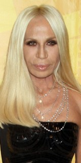 donatella versace news photos vid os biographie. Black Bedroom Furniture Sets. Home Design Ideas