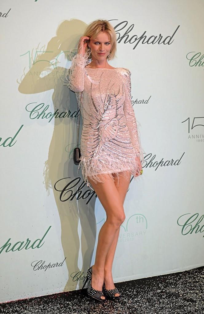Festival de Cannes 2010 : la robe courte d'Eva Herzigova
