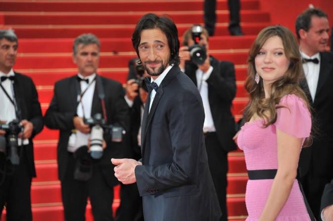 Léa Seydoux et Adrien Brody lors de la montée des marches du festival de Cannes, pour le film Midnight in Paris, le 11 mai 2011.