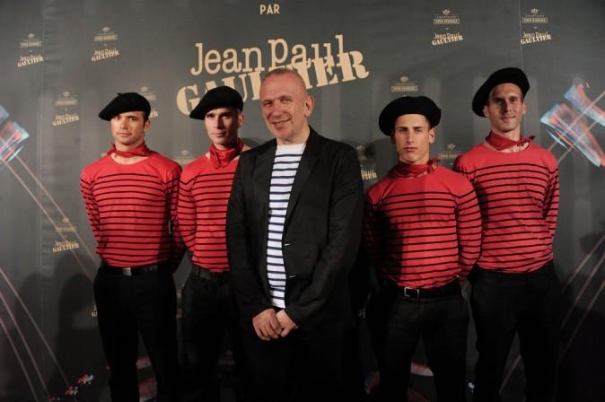 Cannes 2011 : Jean-Paul Gautier bien entouré !