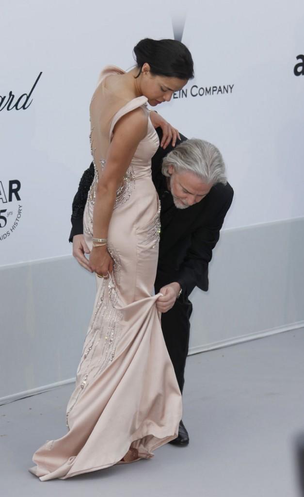 Photos : Cannes 2011 : Michelle Rodriguez a comme qui dirait un souci