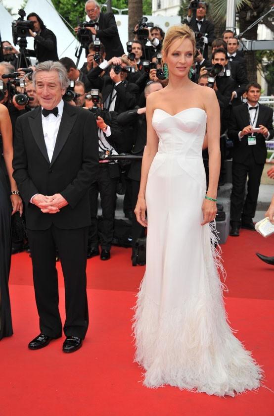 Uma Thurman et Robert De Niro sur le tapis rouge du Festival de Cannes, le 11 mai 2011.