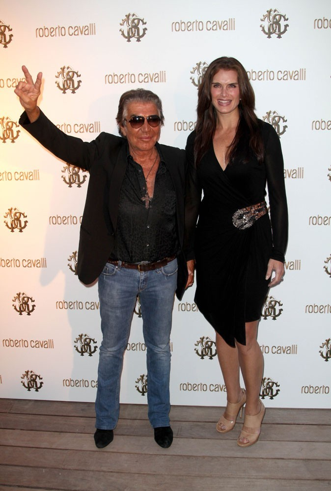 Photos : Cannes 2011 : Roberto Cavalli pose en compagnie de Brooke Shields