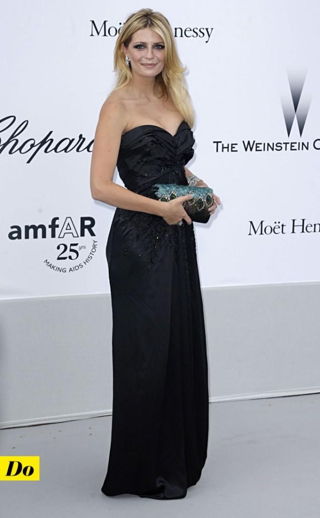 Festival de Cannes 2011 : la robe bustier noire de Mischa Barton