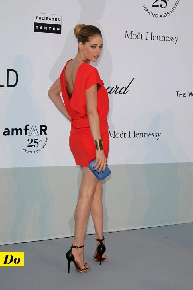 Festival de Cannes 2011 : la robe flashy décolletée dans le dos de Doutzen Kroes