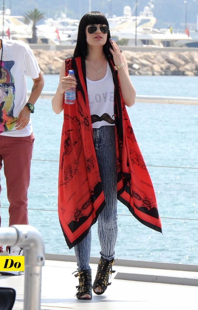 Festival de Cannes 2011 : le look moustache de Jessie J