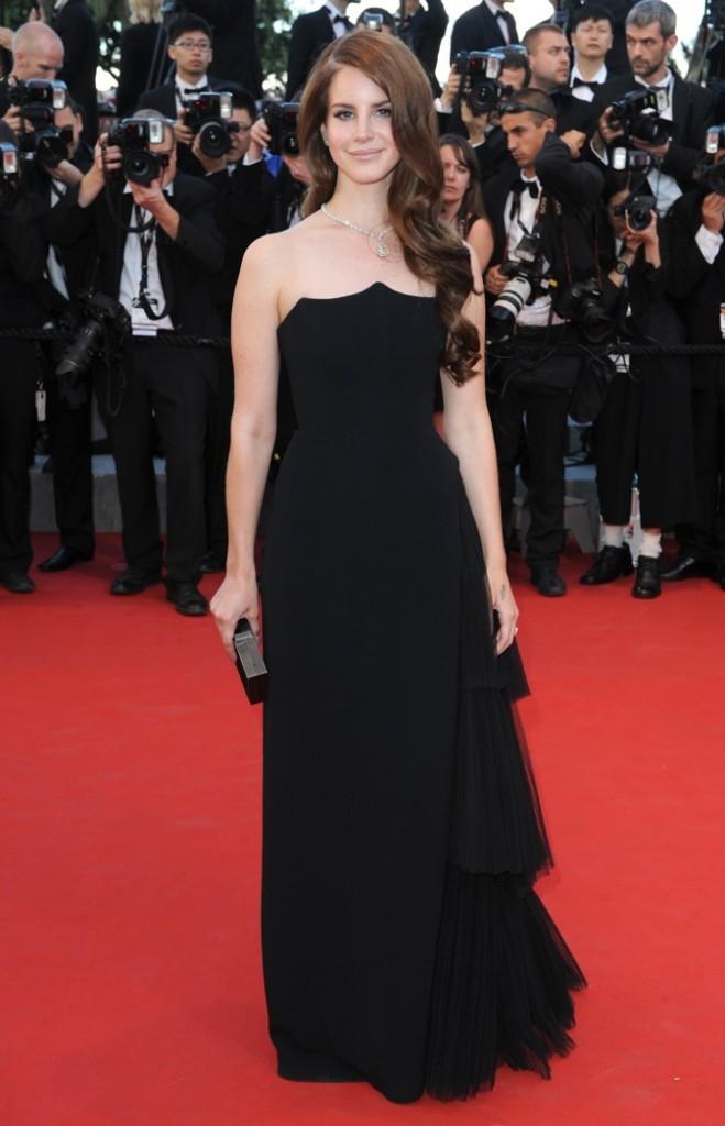Lana Del Rey en Alberta Ferretti (mercredi 16 mai 2012)