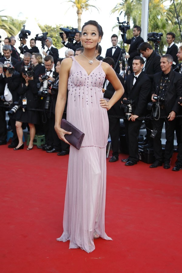 photos cannes 2012 cindy fabre fra cheur lavande pour l 39 ancienne miss. Black Bedroom Furniture Sets. Home Design Ideas