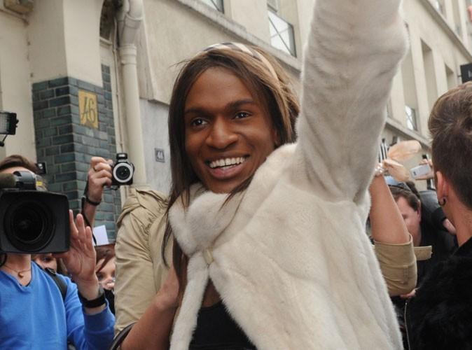 """Carré Viiip : FX balance : """"Trop de gay affichés, trop de transsexuels... TF1 n'a pas assumé"""" !"""