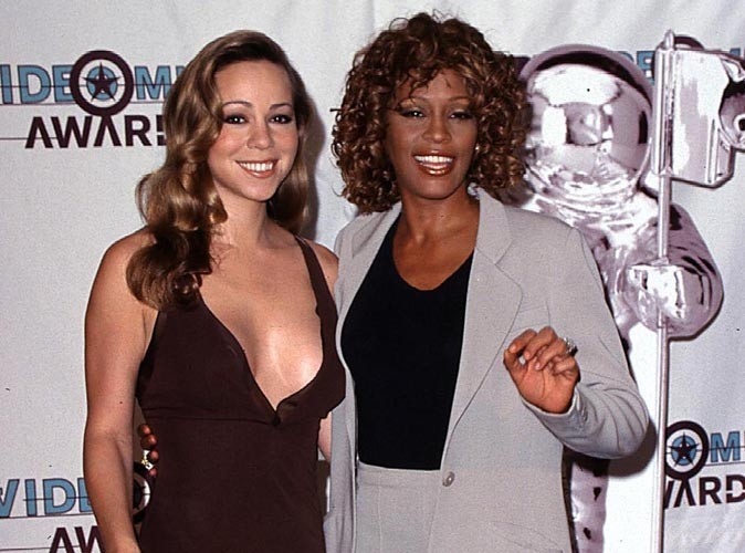 Disparition de Whitney Houston : Katy Perry, Mariah Carey... les stars réagissent en masse (réactualisé)