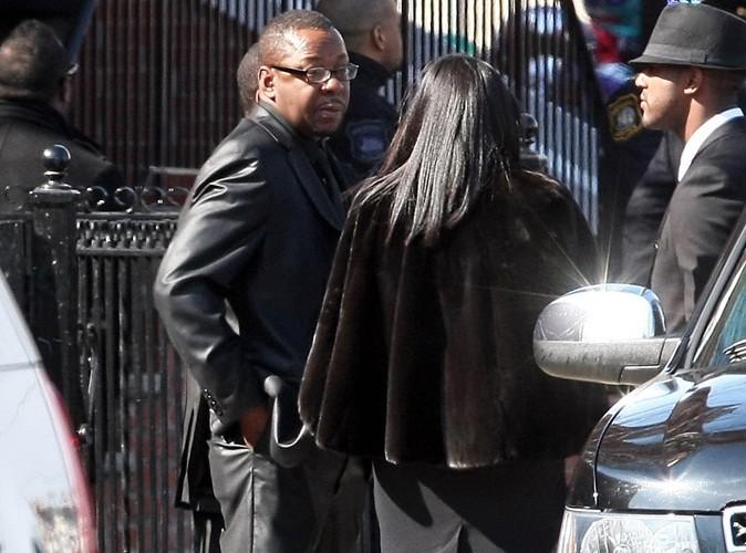 Funérailles de Whitney Houston : pourquoi Bobby Brown est-il parti avant la fin de la cérémonie ?