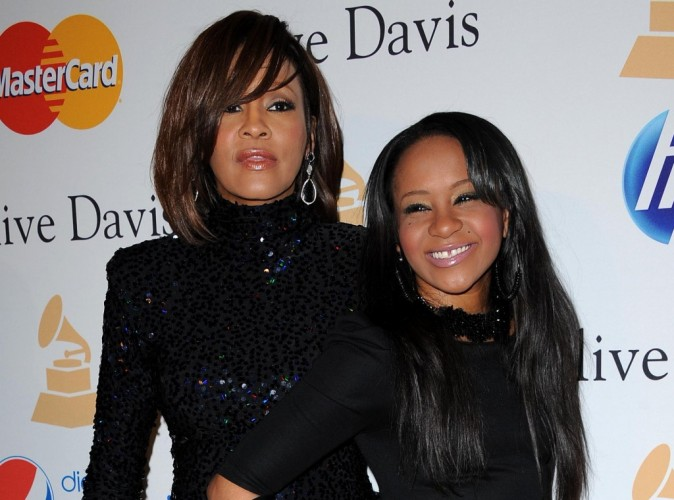 Whitney Houston : sa fille Bobbi Kristina transportée à l'hôpital...
