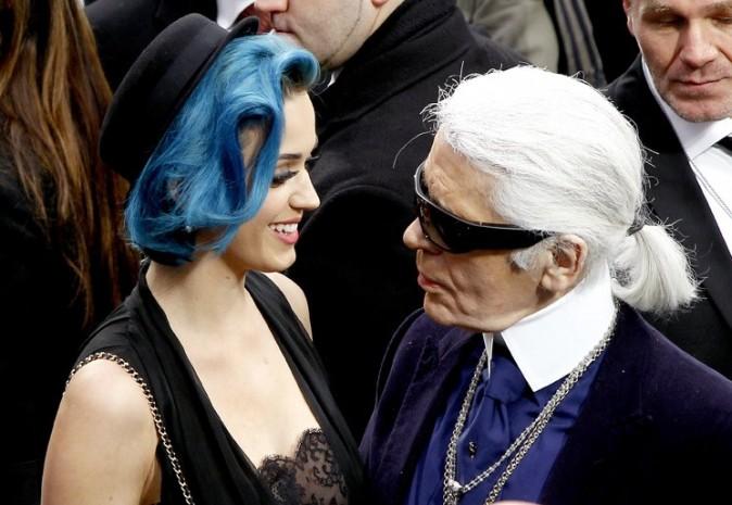 Elle a réussi à approcher Karl Lagerfeld !