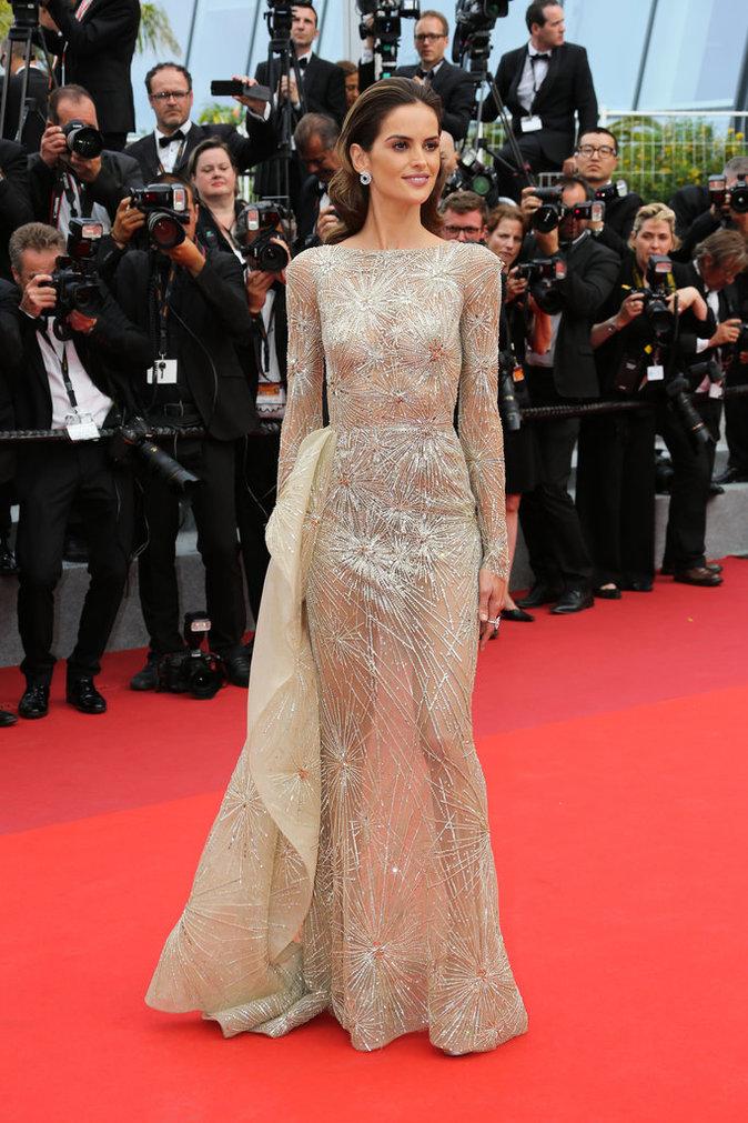 Izabel Goulart en robe Zuhair Murad - Cannes, le 26 mai 2017