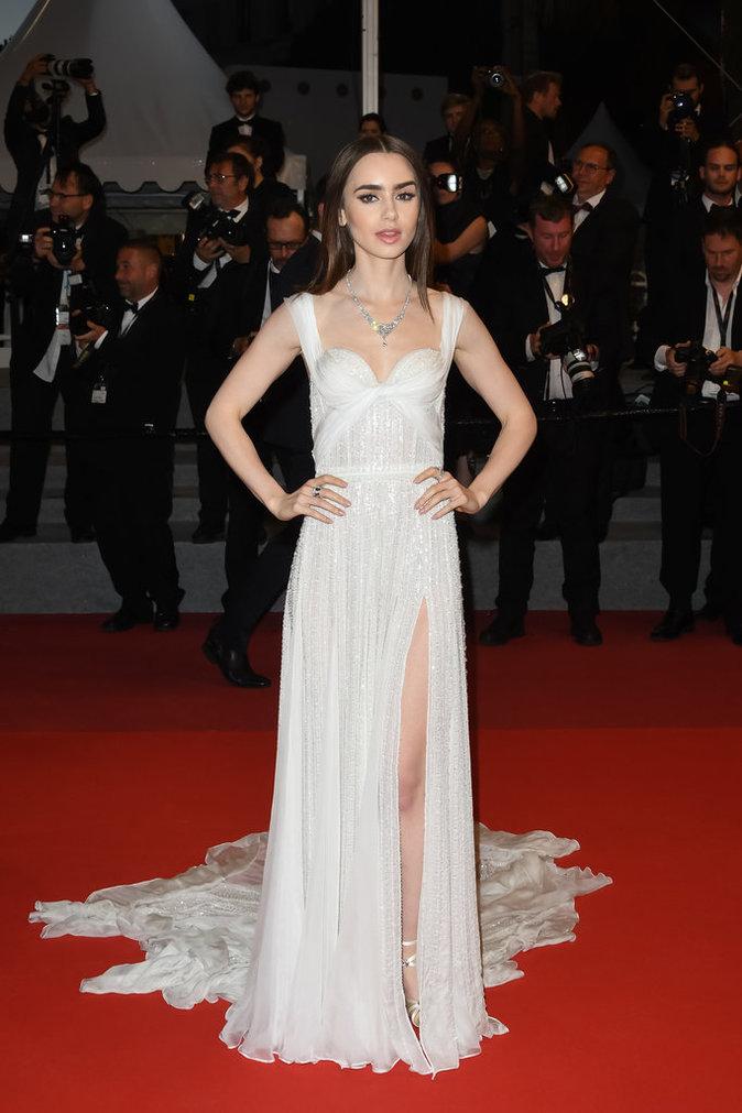 Lily Collins en Ralph & Russo, Cannes le 19 mai