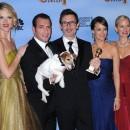 """Photos : Golden Globes 2012 : Jean Dujardin récompensé pour The Artist : """"Je suis super fier pour nous tous, pour le film"""" !"""