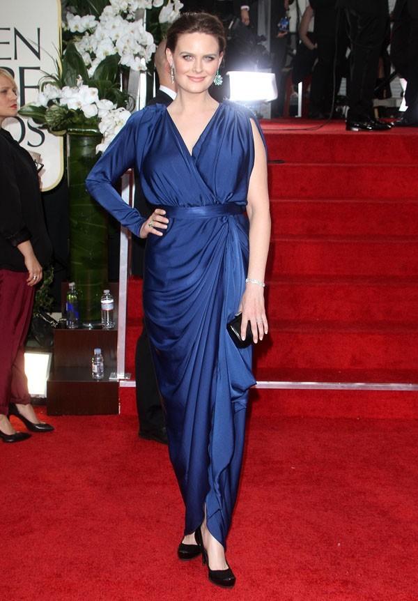 Emily Deschanel en robe drapée