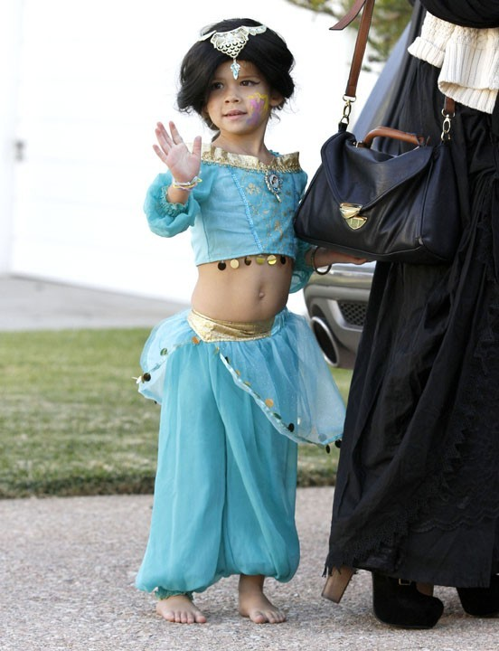 Inspirée par le costume d'Esmeralda de Kim Kardashian y a deux ans ?