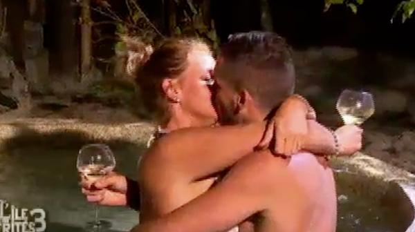 ... et s'embrassent comme au premier jour !
