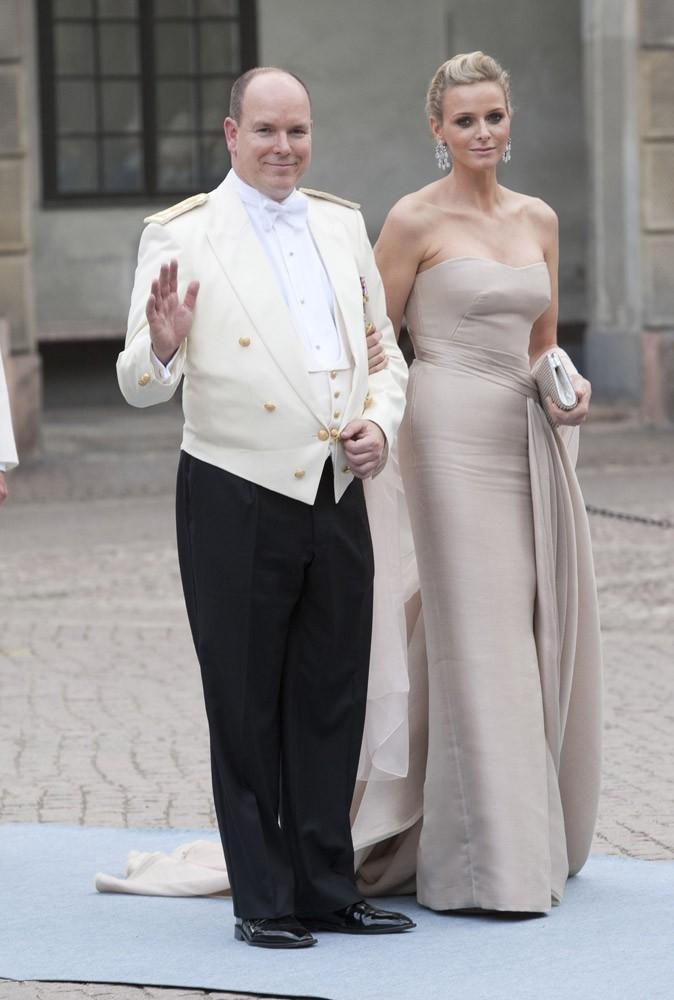 Charlene et Albert se rendent au mariage de la princesse de Suède, en 2010