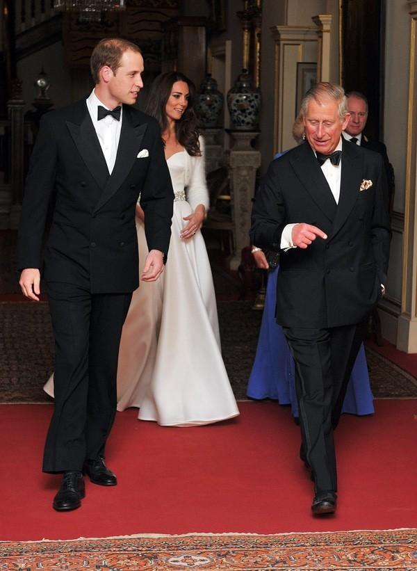 Le Prince William a lui aussi rangé son costume millitaire...