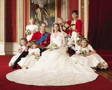 Le Duc William et la Duchesse Kate Middleton entourés de leurs demoiselles et garçons d'honneur !