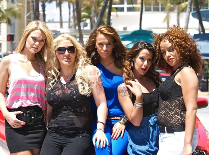 Les Anges de la télé-réalité 2 : les filles arrêtées par la police !