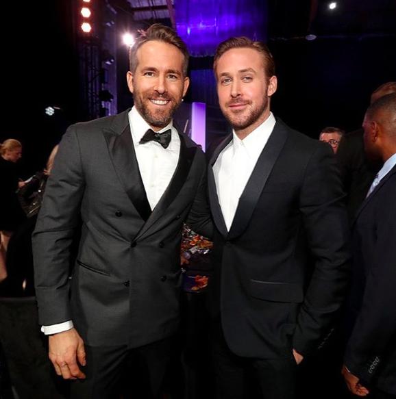 Ryan Reynolds et Ryan Gosling prennent la pose ensemble à la 22e cérémonie des Critics Choice Awards - Los Angeles le 11 décembre 2016