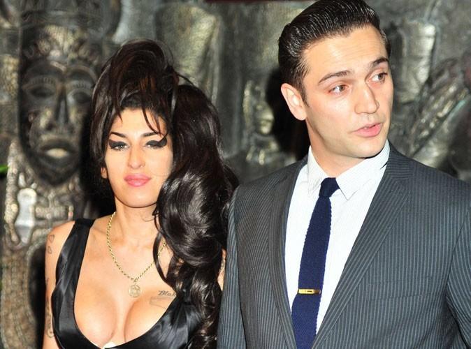Amy Winehouse : elle se serait fiancée à Reg Traviss quelques semaines avant sa mort !
