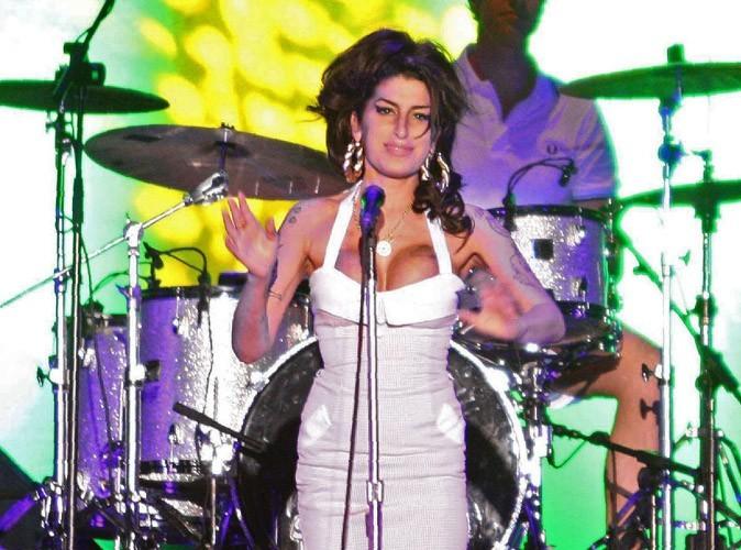 Mort d'Amy Winehouse : l'autopsie pratiquée, on n'en sait pas plus sur les causes de son décès !