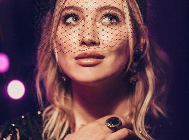 Hilary Duff : retour sur l'impressionnant CV de la star de Younger !