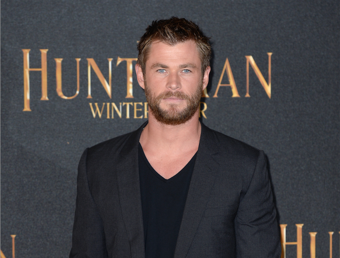 Vid�o: Chris Hemsworth imite Rihanna d'une mani�re dramatique et c'est hilarant