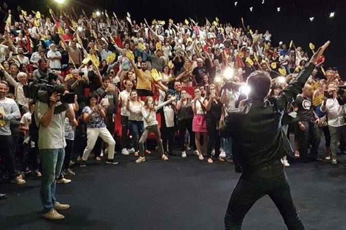 Photos jean dujardin en promo pour le retour de brice for Musique jean dujardin