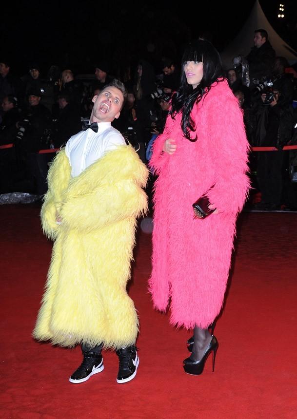 Sur le tapis rouge des NRJ Music Awards 2012 ...