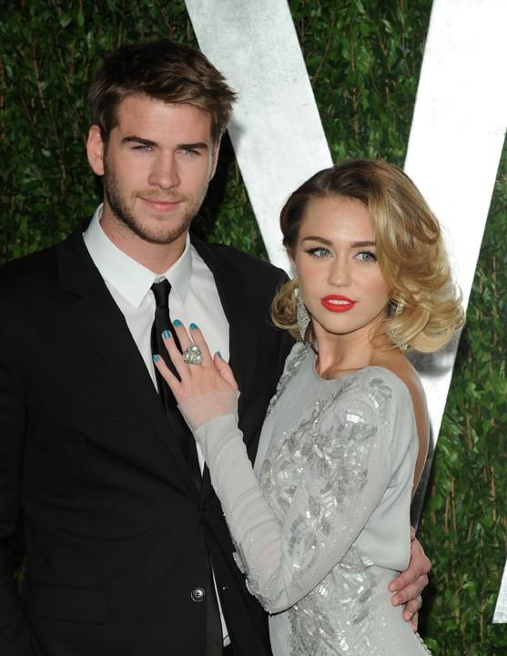 Miley Cyrus et Liam Hemsworth à la soirée Vanity Fair !