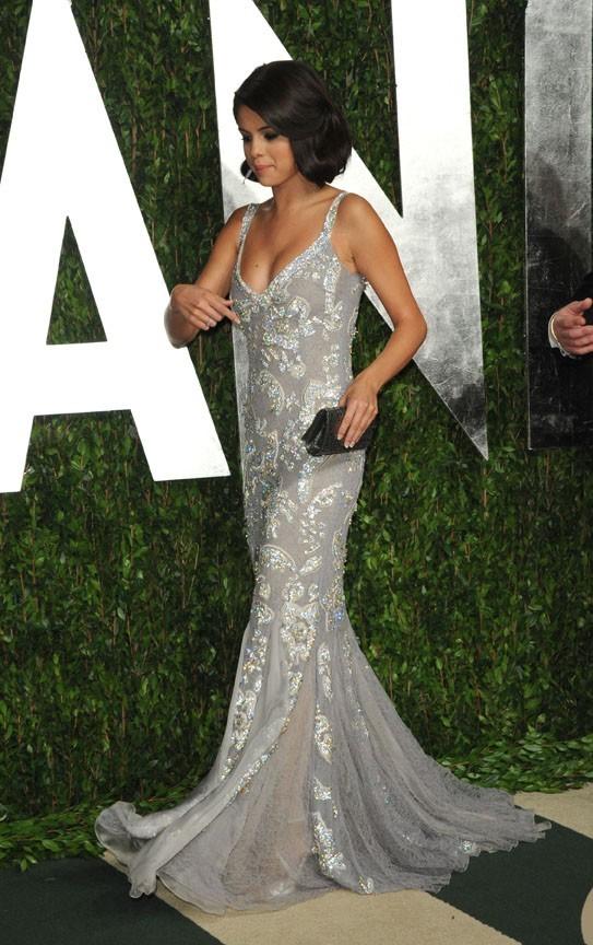Selena Gomez arrive à la soirée Vanity Fair !