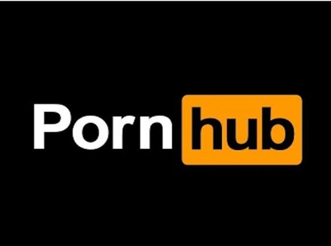 Public Buzz : Quand un site porno sponsorise une équipe de football féminine !