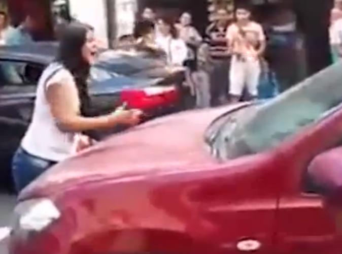 Public Buzz : Vidéo : Une femme trompée pète un plomb en surprenant son mari et sa maîtresse !