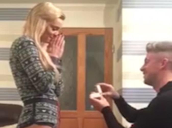 Public Buzz : Vidéo : Il fait une (fausse) demande en mariage, sa chérie est furieuse !