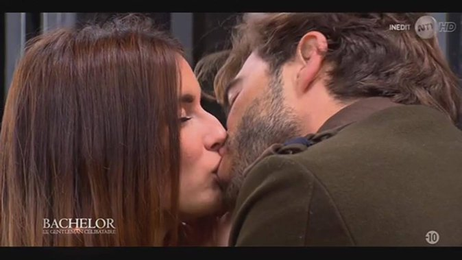 Public Buzz : Bachelor : Marco embrasse (enfin) Shirley, les photos du french-kiss !