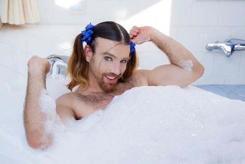 Public Buzz : Photos : découvrez Ladybeard le mix entre Conchita Wurst et Britney Spears !