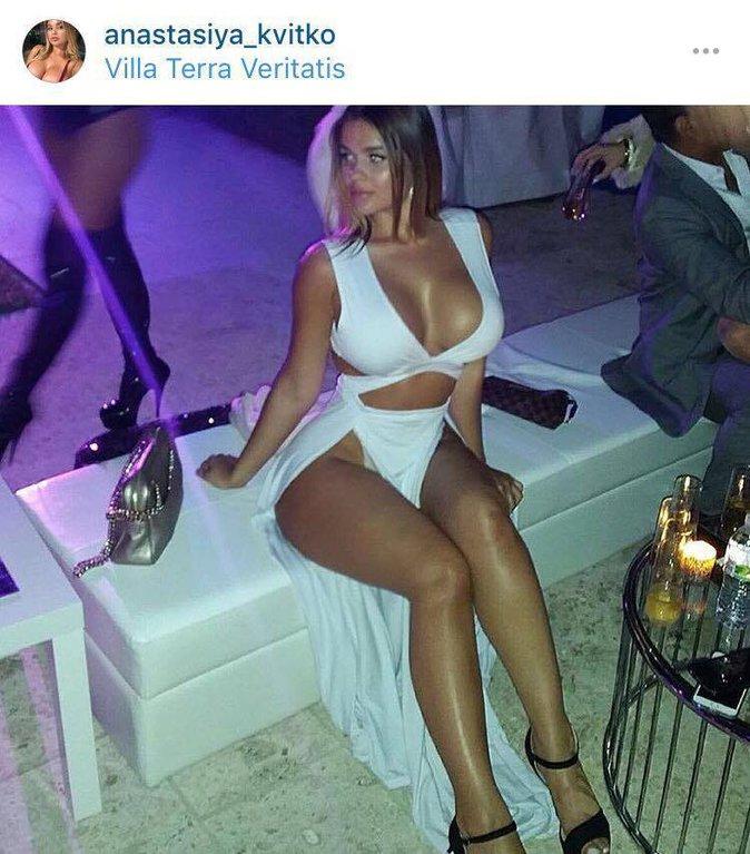 Public Buzz : Photos : La Kim Kardashian russe affirme ne jamais avoir fait de chirurgie !