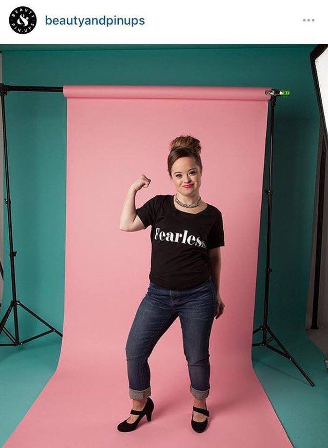 Public Buzz : Photos : Une jeune femme atteinte de Trisomie 21 devient égérie d'une marque de beauté !