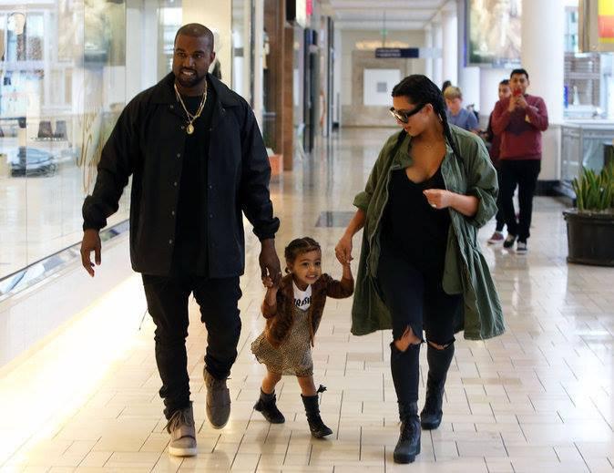 4- Sortie en famille pour Kim Kardashian