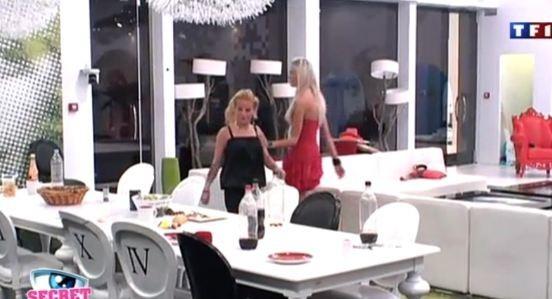 Sabrina se fait aussi menaçante qu'Ayem !