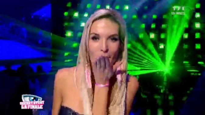 Marie embrasse son public !