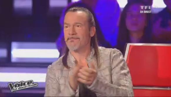 """Florent Pagny porte ce soir une veste en """"reptile"""", mais n'a pas dit de quel animal il s'agit !"""