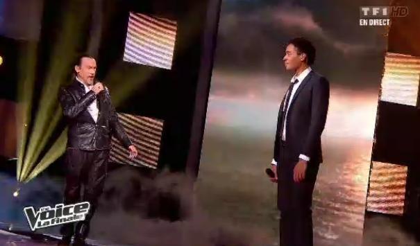 Stéphan Rizon chante avec son coach Florent Pagny