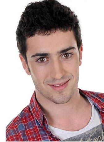 Raphaël, catégorie garçons de moins de 25 ans : le brun ténébreux qui en veut !