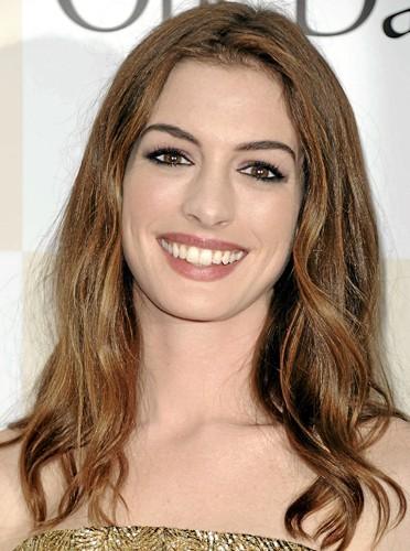 Quels soins hydratants pour une peau sèche comme Anne Hathaway ?